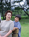 タイトル:祖母と孫