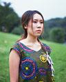 タイトル:若い女性