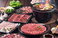 タイトル:焼肉を七輪で焼く