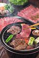 タイトル:牛タンを七輪で焼く