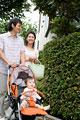 タイトル:家族で散歩