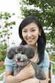 タイトル:犬と日本人女性