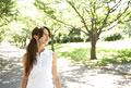 タイトル:公園と女性