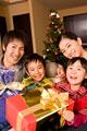 タイトル:クリスマスプレゼントとファミリー
