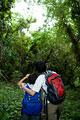 タイトル:森の中にいる親子