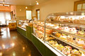 タイトル:ケーキ屋さんの店内