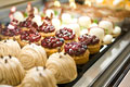 タイトル:ケーキのショーケース