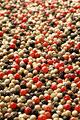 タイトル:一面の赤胡椒と白胡椒と黒胡椒