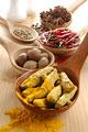 タイトル:赤唐辛子と白胡椒とウコンとナツメグとニンニク