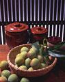 タイトル:梅と壷