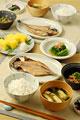 タイトル:アジの開きの朝食
