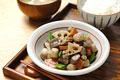 タイトル:筑前煮とご飯と味噌汁