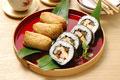 タイトル:いなり寿司と巻き寿司