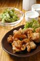 タイトル:唐揚げと枝豆と日本酒
