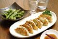 タイトル:餃子と枝豆と冷酒