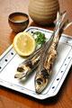タイトル:イワシの丸干しと日本酒