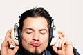 タイトル:Man listening to music
