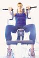タイトル:Man weight-training