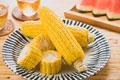 タイトル:茹でトウモロコシ