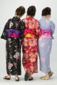 タイトル:浴衣姿の女性三人