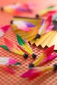 タイトル:羽根と扇子