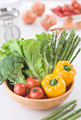 タイトル:ボウルに入った野菜