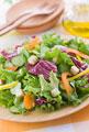 タイトル:紫キャベツとグリーンリーフのサラダ