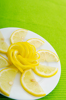 Lemon slices served in the plate