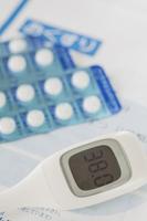 体温計と風邪薬