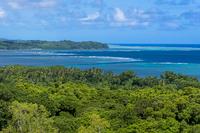 マルキョク州のジャングルと海