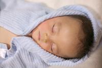 お風呂上がりで眠る赤ちゃん