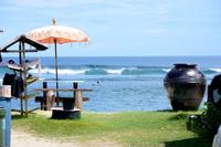 晴れ上がったサーフビーチ