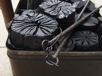 木炭と火箸