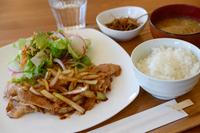 生姜焼き 定食 豚肉の生姜焼き