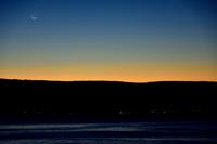 日の出前の三日月