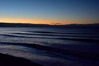 日の出前の海