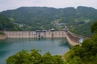 梅雨時の下久保ダム