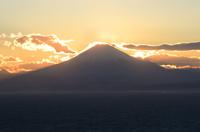 葉山町仙元山からのダイヤモンド富士