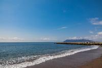 津軽海峡と青い空