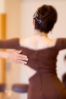 社交ダンスをする婦人