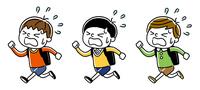 ランドセルを背負って急いで走る男の子たち:セット