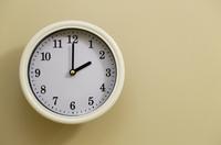 掛け時計の時間が2時