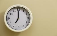 掛け時計の時間が7時