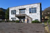 秋の旧日立航空機立川工場変電所