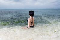 若い女性の水着ポートレートイメージ