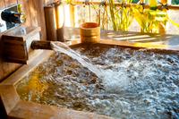 源泉掛け流し檜風呂