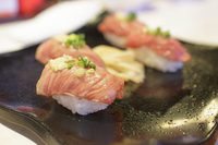 牛炙り寿司
