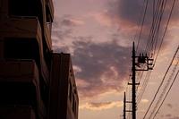 夕方の郊外の風景