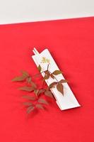 南天の葉と割り箸