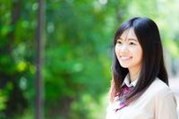 笑顔の女子学生